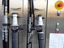 MJ SAT, veřejná čerpací stanice, Písek (detail koncovek NGV1 a NGV2)