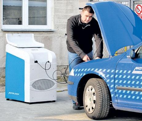 Natankovat doma auto plynem umí i plnička z Česka