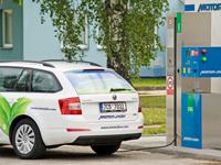 Octavia G-Tec na CNG je ekologičtější než  elektromobil Tesla Model S